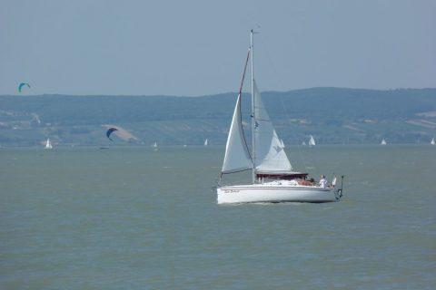 Segelboot am Neusiedler See